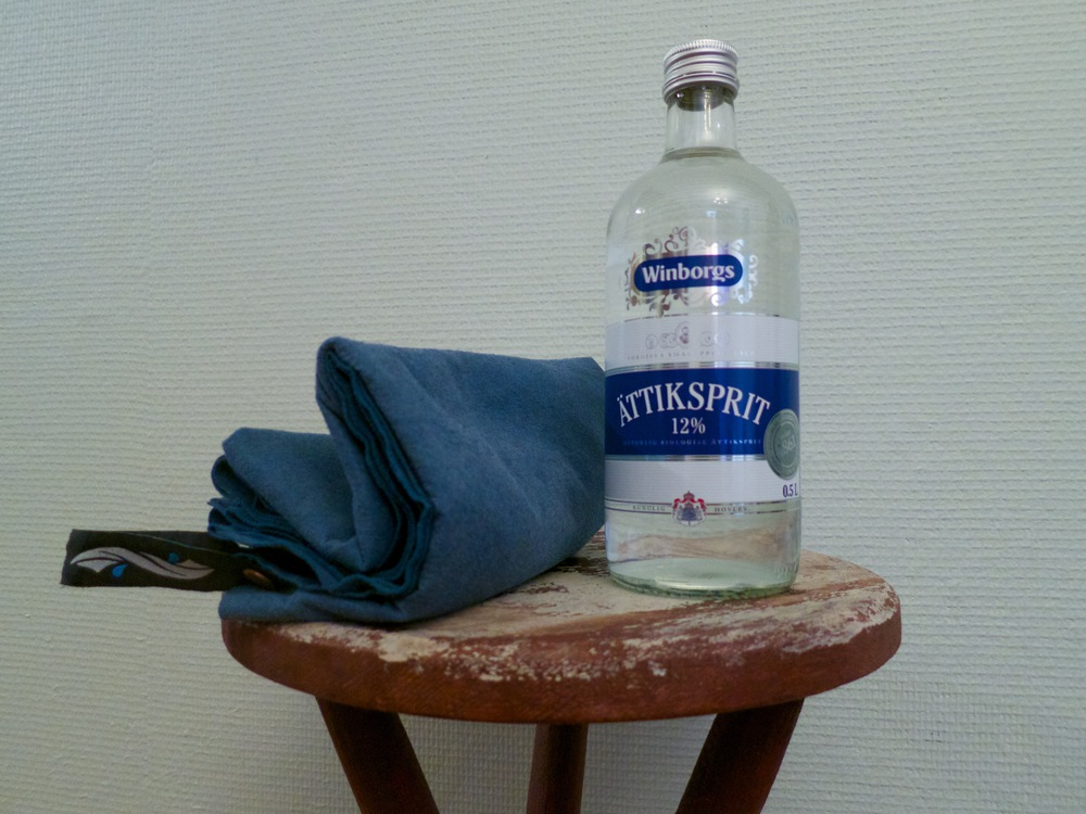Travel towel and a nice bottle of vinegar.